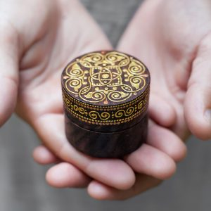 Round celtic ring box